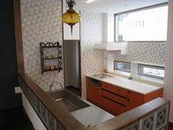 CASAの施工実績「色とりどり2列型キッチン」